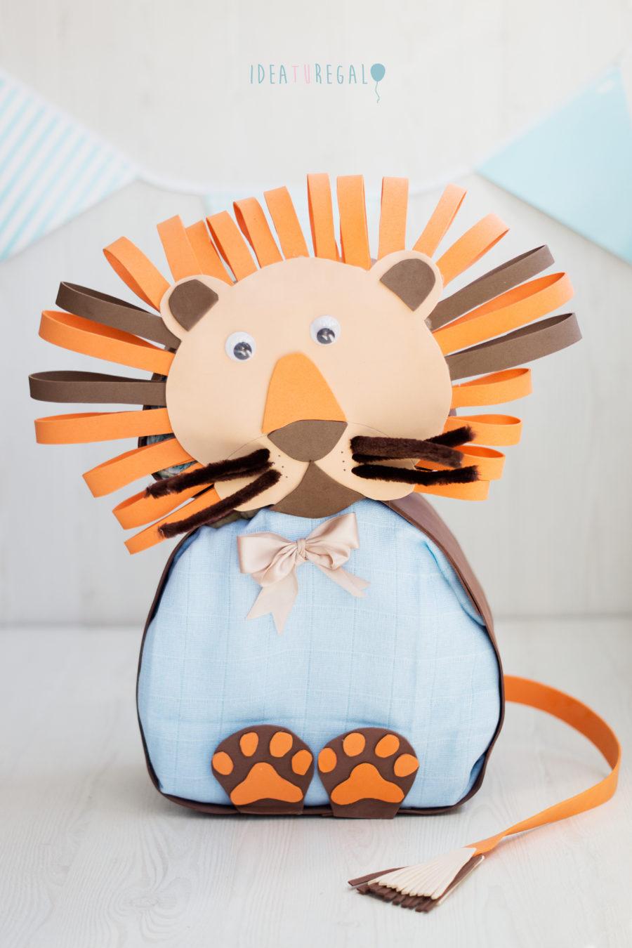 León de Pañales para regalo de recién nacido