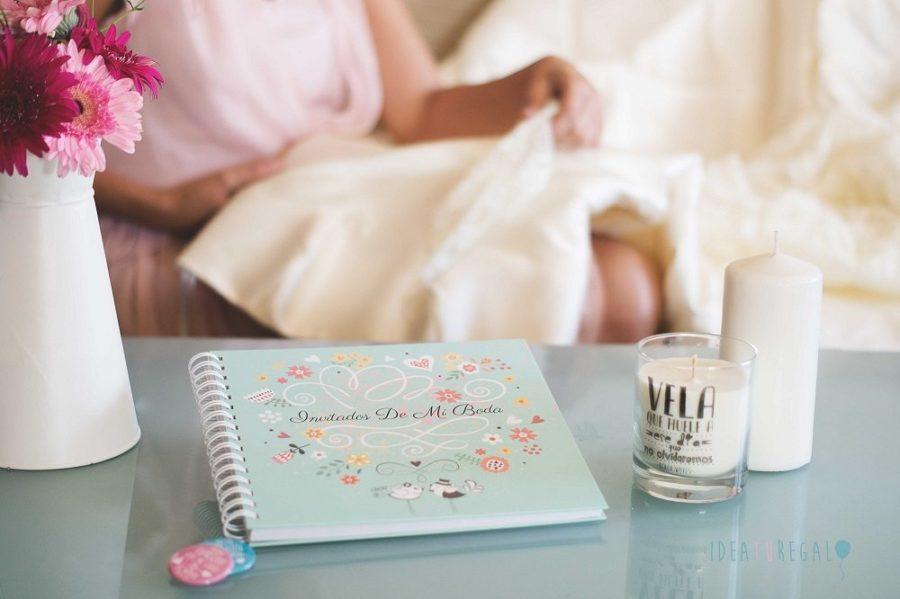 Libro de firmas para boda y chapas novios