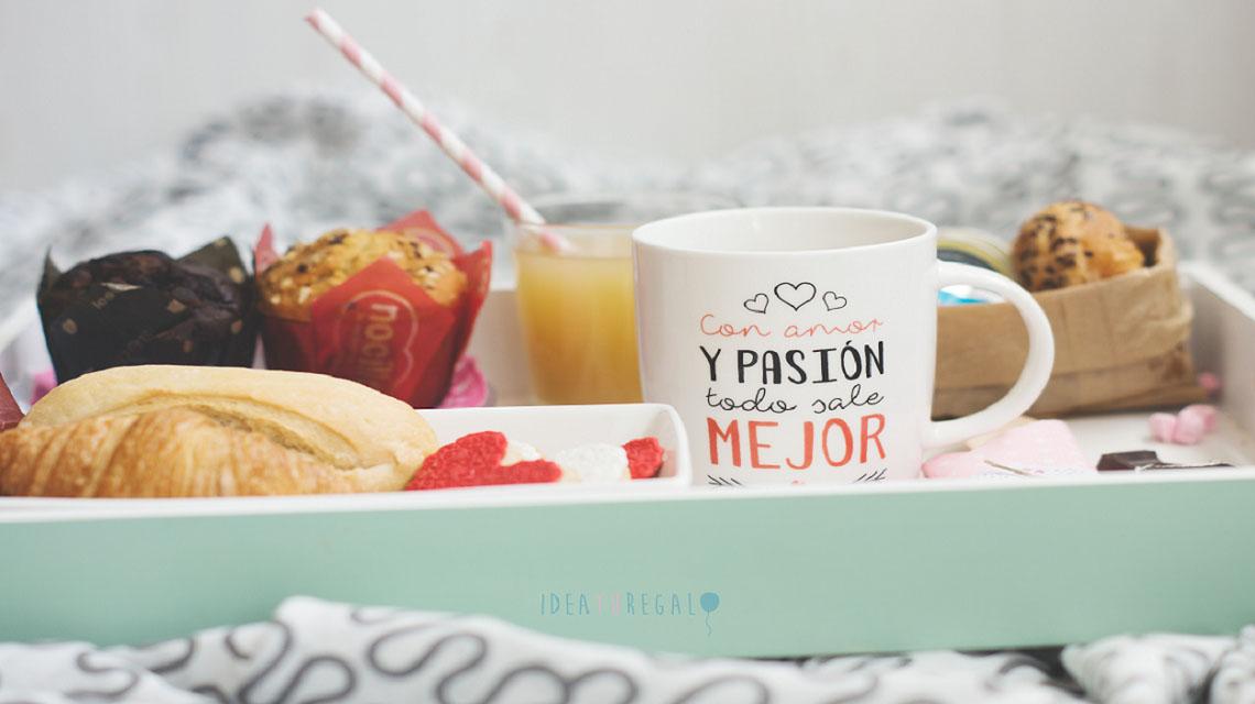desayuno-en-bandeja-con-taza-con-amor-y-pasion-regalo-almeria banner
