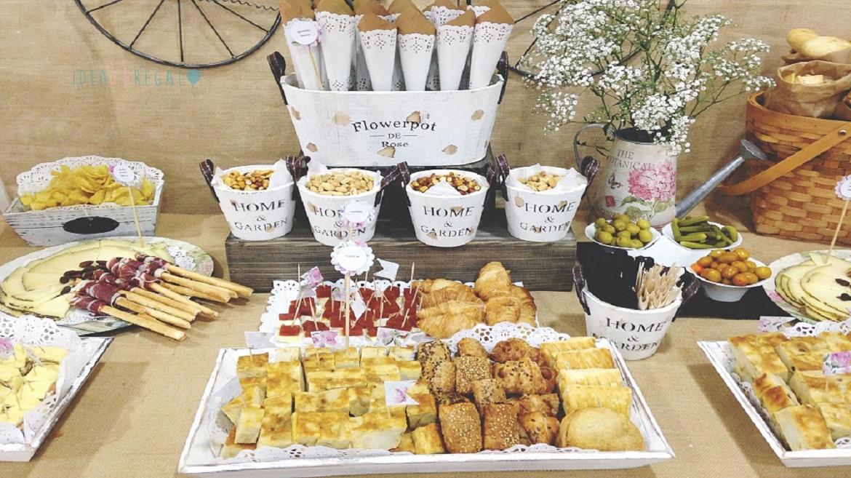 Mesas dulces y mesas saladas con las que enamorar for Mesa salada para cumple