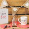 Agenda, taza con amor y pasión y botella con mensaje