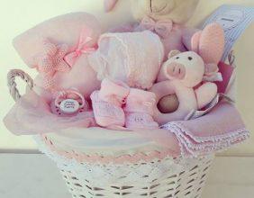 Canastilla de recién nacido en rosa